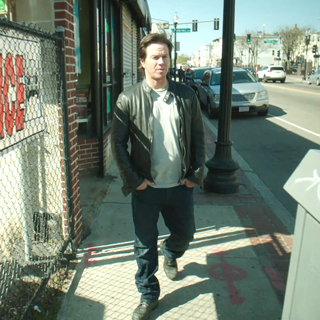 Mark Wahlberg dalle passerelle in slip ai Wahlburgers